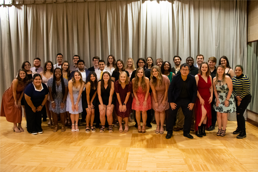 group photo of the Aggie Orientation Leaders